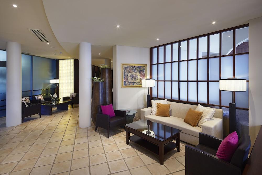 파고다 리조트 & 스파(Pagoda Resort & Spa) Hotel Image 1 - Lobby Sitting Area