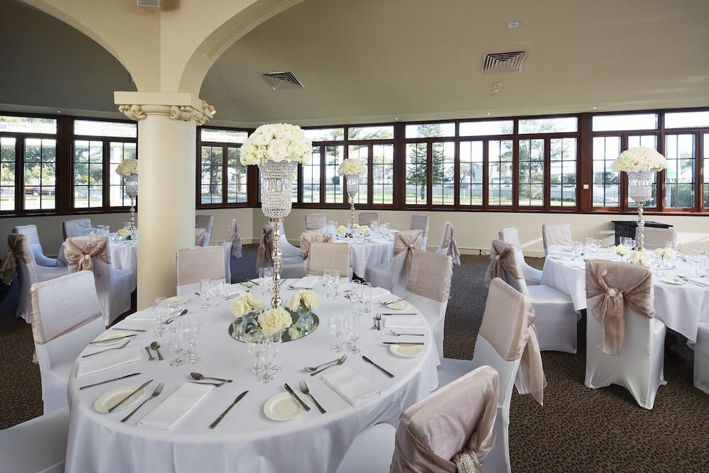 파고다 리조트 & 스파(Pagoda Resort & Spa) Hotel Image 40 - Indoor Wedding
