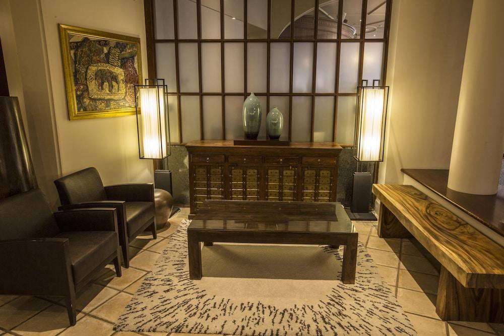 파고다 리조트 & 스파(Pagoda Resort & Spa) Hotel Image 2 - Lobby Sitting Area