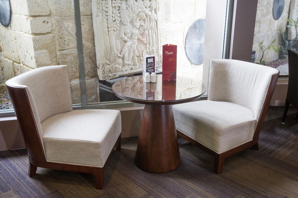 파고다 리조트 & 스파(Pagoda Resort & Spa) Hotel Image 30 - Coffee Service
