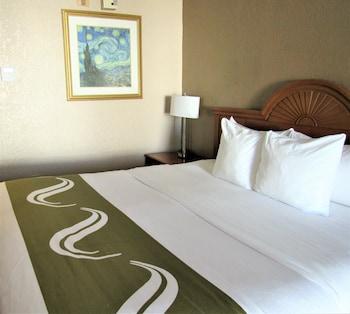 Room, 2 Queen Beds, Smoking