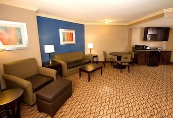 Suite, 1 King Bed with Sofa bed, Accessible, Bathtub (Hearing, Mobility)