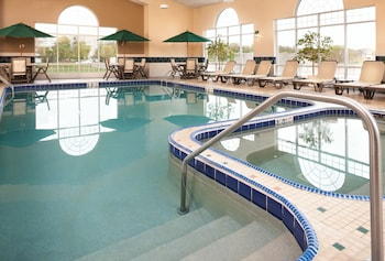 Hotel - Country Inn & Suites by Radisson, Milwaukee West (Brookfield), WI