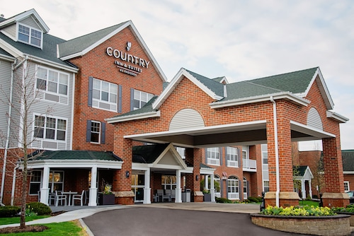 . Country Inn & Suites by Radisson, Milwaukee West (Brookfield), WI