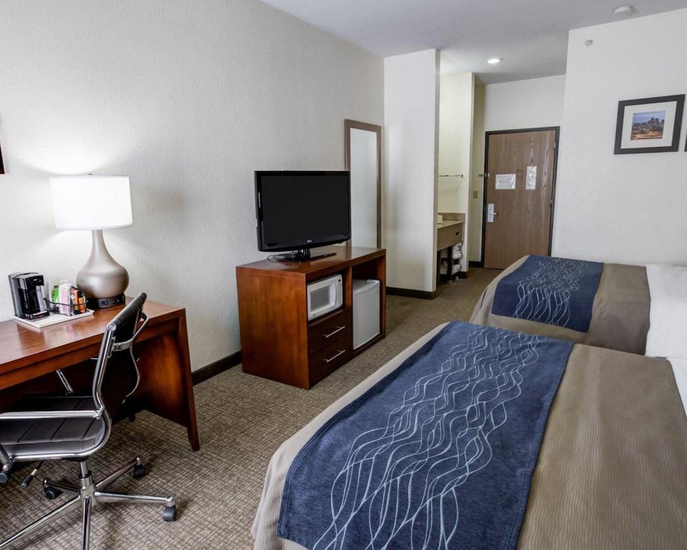 컴포트 인 커니 - 리버티(Comfort Inn Kearney - Liberty) Hotel Image 10 - Guestroom