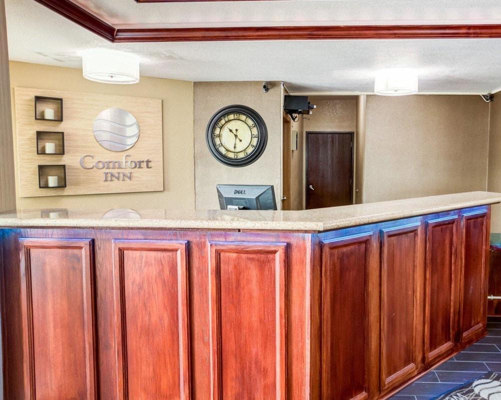 컴포트 인 커니 - 리버티(Comfort Inn Kearney - Liberty) Hotel Image 2 - Lobby