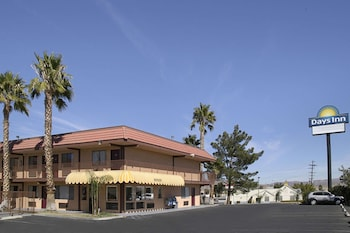Days Inn By Wyndham Barstow 1 0 Miles From Desert Heights Apartments