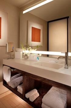 Deluxe Suite, 2 Double Beds, Accessible, Bathtub