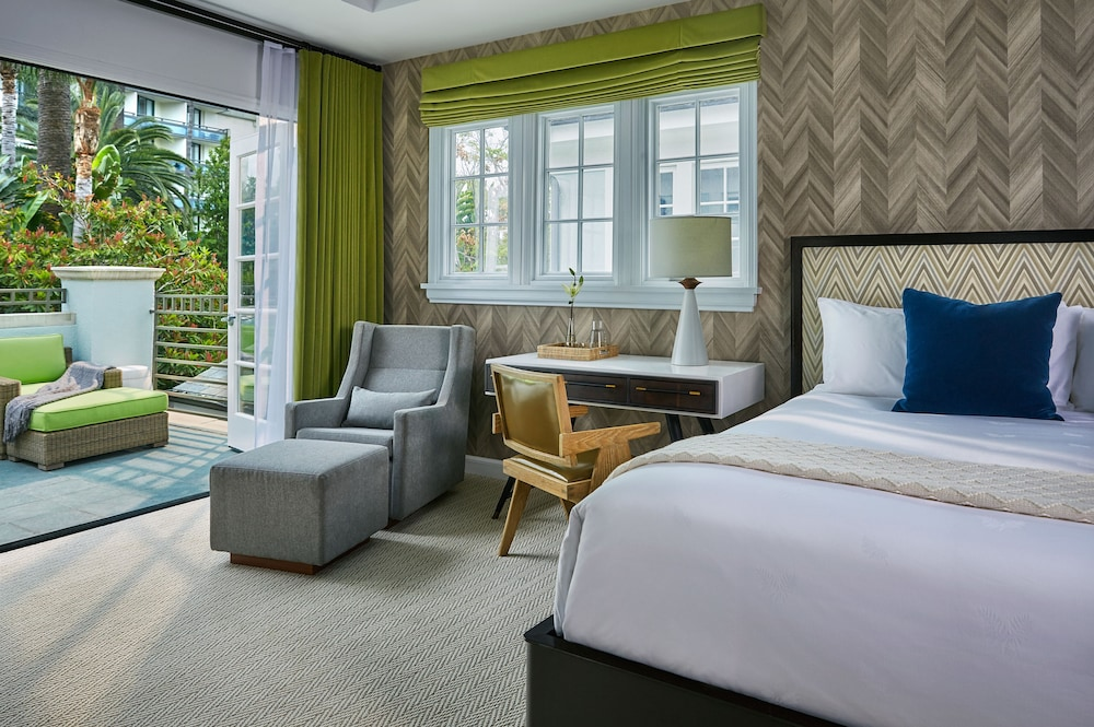 https://i.travelapi.com/hotels/1000000/430000/423500/423484/1728f4cb_z.jpg
