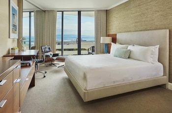 Premium Room, 1 King Bed, Balcony, Ocean View