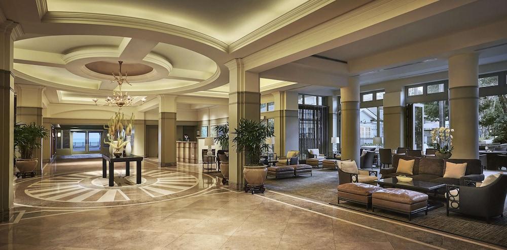 https://i.travelapi.com/hotels/1000000/430000/423500/423484/9d2738da_z.jpg