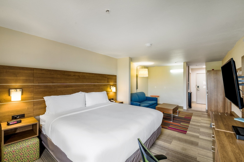 Suite, 1 King Bed, Accessible, Non Smoking (Hearing, Transfer Shower)