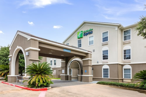 . Holiday Inn Express Hotel & Suites Columbus