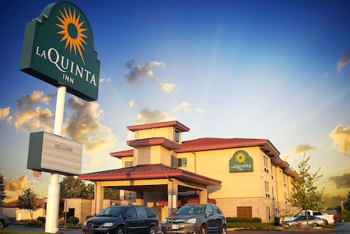 . La Quinta Inn & Suites by Wyndham Springfield South