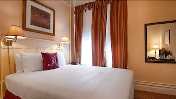 Room, 1 Queen Bed, Accessible (Comfy)