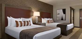 Deluxe Room, 2 Queen Beds (Newly Renovated)