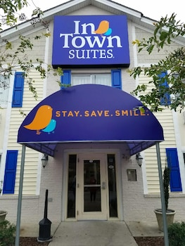 Hotel - InTown Suites Greenville
