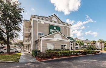 奧蘭多南家鄉開放式客房紅屋頂飯店 HomeTowne Studios by Red Roof Orlando South