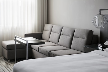 Guestroom at DFW Airport Marriott South in Fort Worth