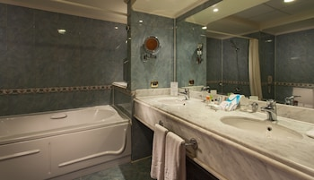 Deluxe Royal Wing Double Room