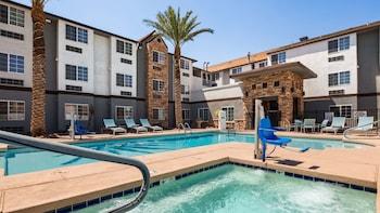 有馬山麓貝斯特韋斯特普拉斯套房飯店 Best Western Plus Yuma Foothills Inn & Suites