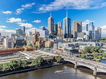 墨爾本西碼頭套房飯店 Quay West Suites Melbourne