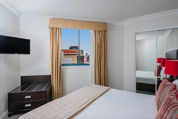 Guestroom at Mantra on Queen in Brisbane