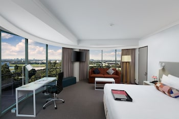 Guestroom at Rydges Parramatta in Rosehill