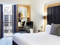 Luxury Room, Garden View (Club Sofitel, Top Floors)