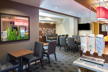Atlanta Vacations - Towneplace Suites By Marriott Kennesaw - Property Image 1