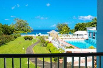 Hotel - Allamanda Beach Resort