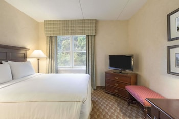 Traditional Room, 1 Queen Bed (Heritage Traditional)