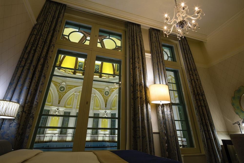 Classic Room, 1 Queen Bed (Classic Comfort)