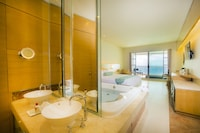 Deluxe Room, Jetted Tub, Ocean View