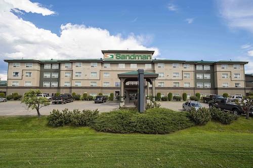 . Sandman Hotel Quesnel