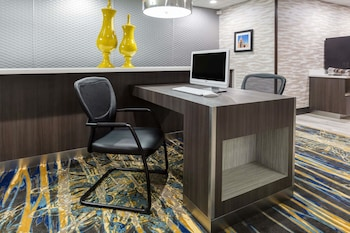 Business Center at Wingate by Wyndham Dallas Love Field in Dallas