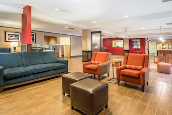 Lobby at Comfort Inn Maingate in Kissimmee