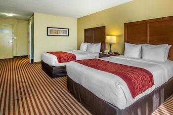 Guestroom at Comfort Inn Maingate in Kissimmee