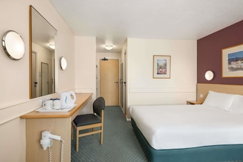 Sheffield Vacations - Days Inn Sheffield - Property Image 1