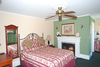 Standard Room, 1 Queen Bed