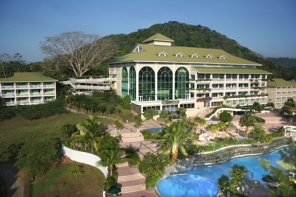 https://i.travelapi.com/hotels/1000000/440000/438200/438135/40f0a2ef_z.jpg