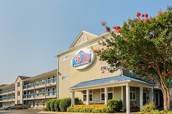 Motel 6 Fayetteville, NC - For..