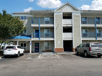 Motel 6 Fayetteville, NC - Fort Bragg Area - Exterior  - #0