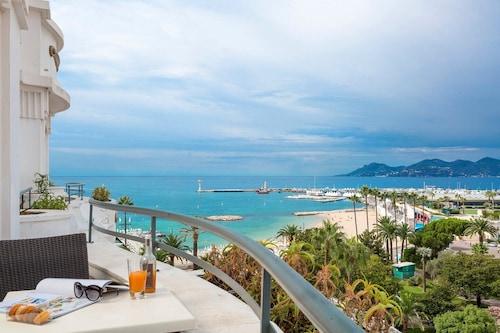 . Hôtel Barrière Le Majestic Cannes