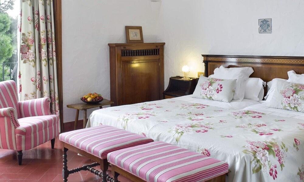 https://i.travelapi.com/hotels/1000000/440000/438400/438323/2dbe7403_z.jpg