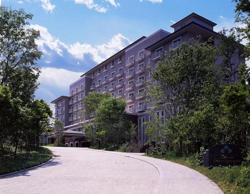 . Okura Akademia Park Hotel