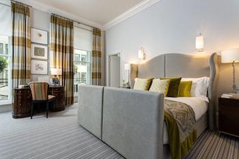 Suite (Dover)