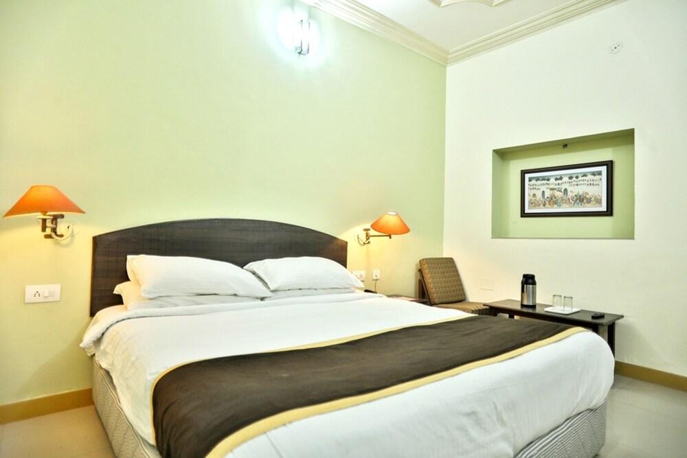 호텔 라지푸타나 팰리스(Hotel Rajputana Palace) Hotel Image 12 - Guestroom