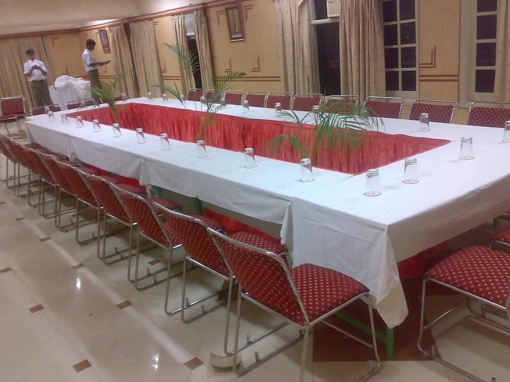 호텔 라지푸타나 팰리스(Hotel Rajputana Palace) Hotel Image 15 - Meeting Facility