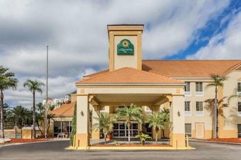 奧蘭多大學區溫德姆拉昆塔套房飯店 La Quinta Inn & Suites by Wyndham Orlando Universal area